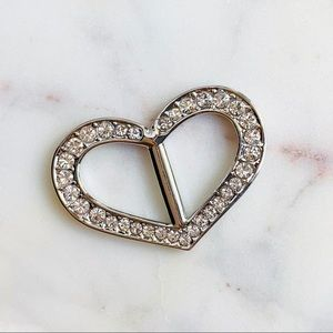 Accessories - Heart shaped rhinestone scarf ring